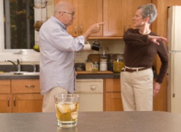 Синдром жены алкоголика: асоциальное поведение и желание страдать