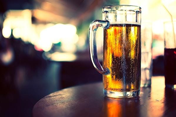 Через сколько можно кормить ребенка после алкоголя